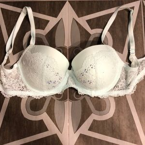 NWOT!! Victoria Secrets bra
